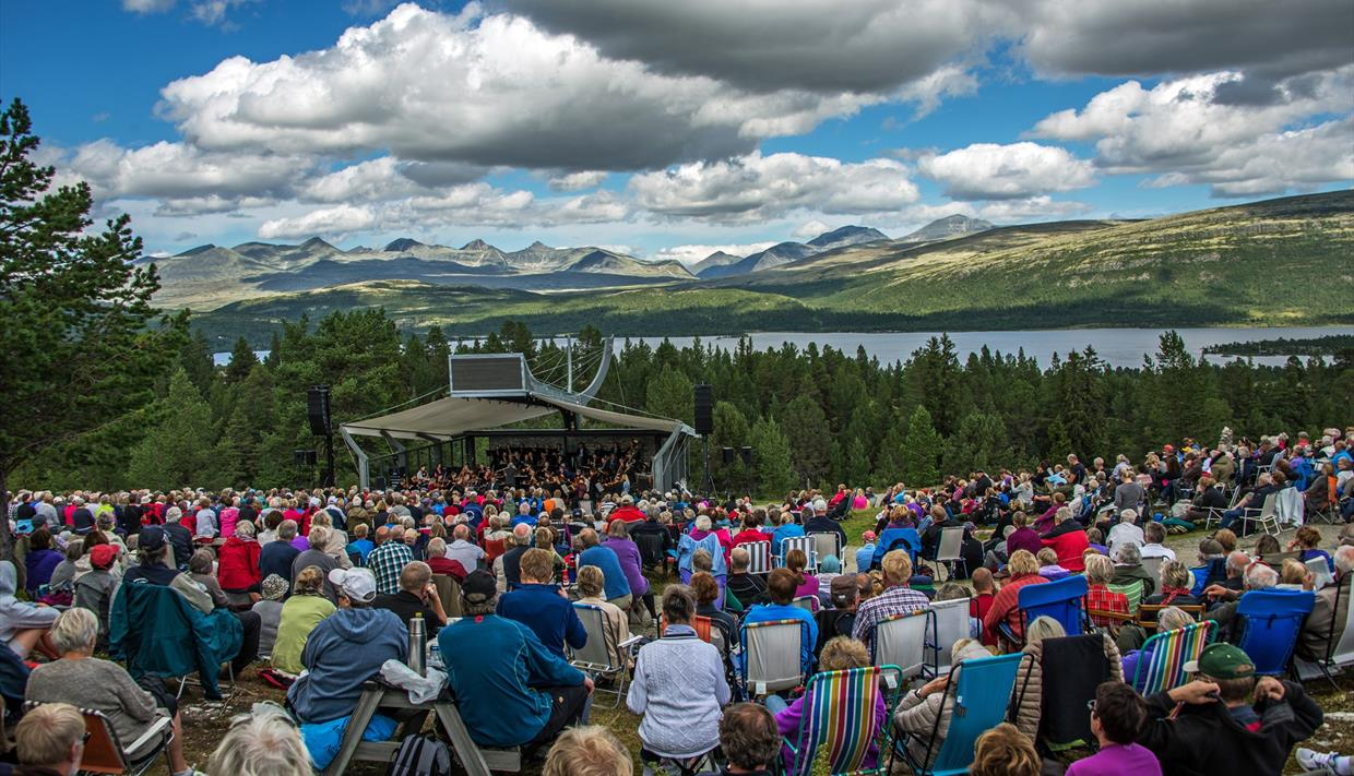 "Mountain concert ""by Rondane"""